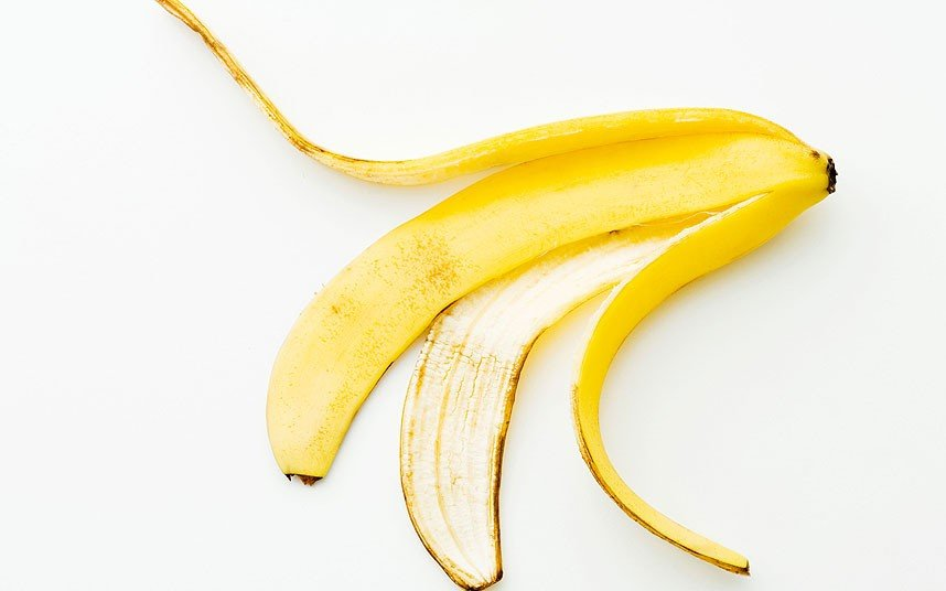 banana peel remove moles